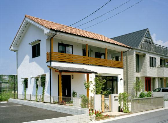 「外壁をリシンのかき落としで仕上げたプロバンス風の家」広島 注文住宅木の家社長コラム